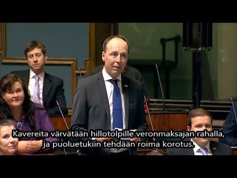 Jussi Halla-aho eduskunnassa 13.2.2020. Työllistääkö hallitus lähinnä kavereitaan?